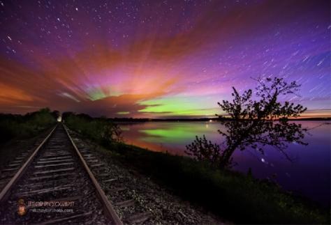 mike-taylor-aurora-at-unity-pond-2-1_1369109322_lg